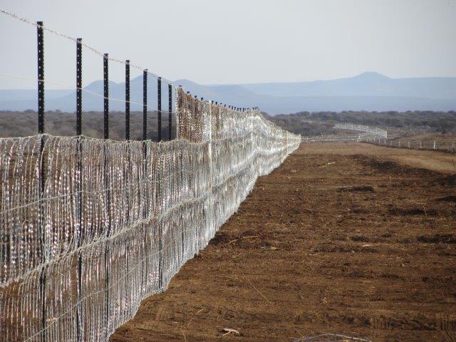 razor mesh fence erected at a mine (12)
