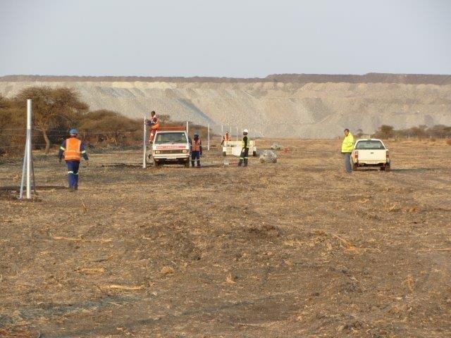razor mesh fence erected at a mine (2)
