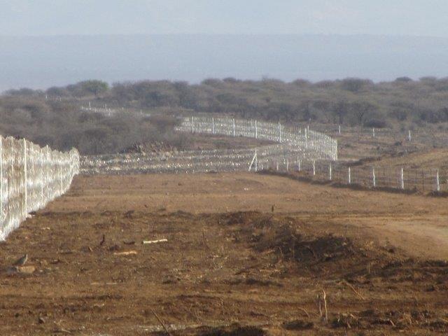 razor mesh fence erected at a mine (9)